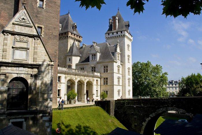 Замок По - Родовой замок Бурбонов 30491