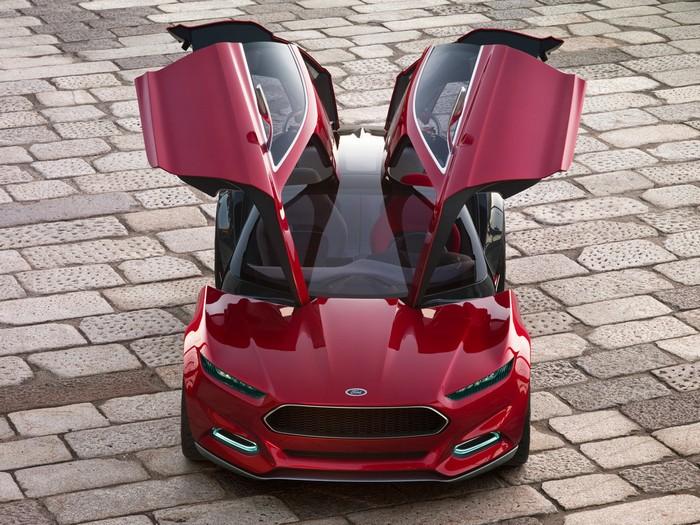 Оригинальный концепт-кар Ford Evos 9 (700x525, 138Kb)