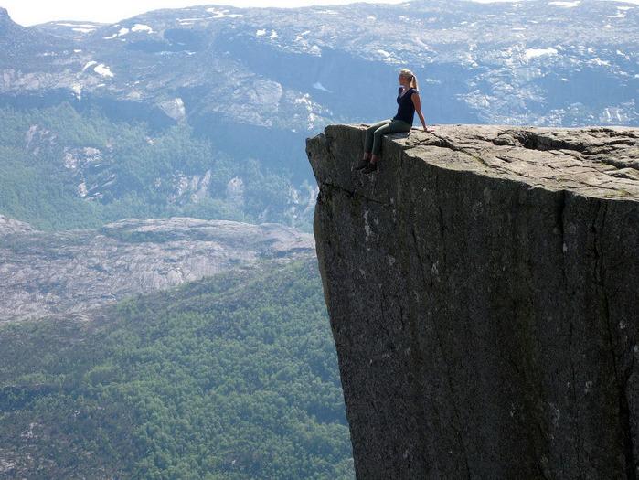 утес Прекестулен норвегия фото 6 (700x525, 168Kb)