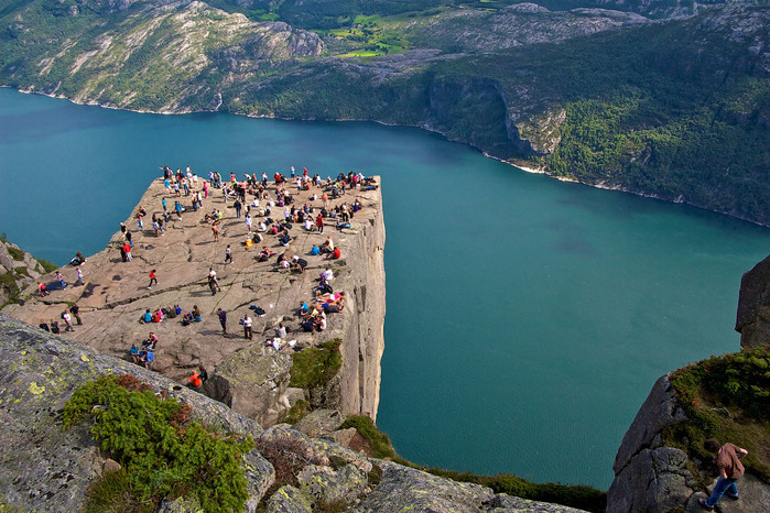 утес Прекестулен норвегия фото 7 (700x466, 171Kb)