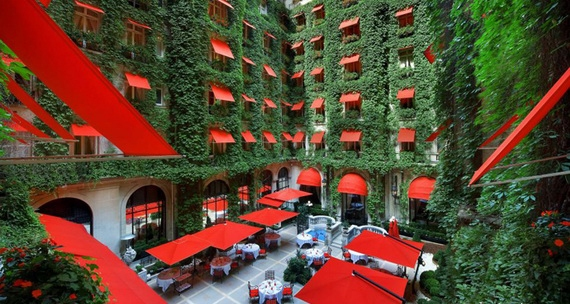 отель со столетней историей (570x304, 179Kb)