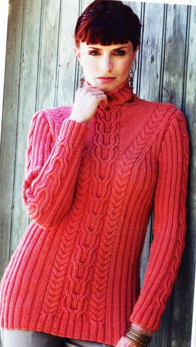 Пуловер с рельефным рисунком
