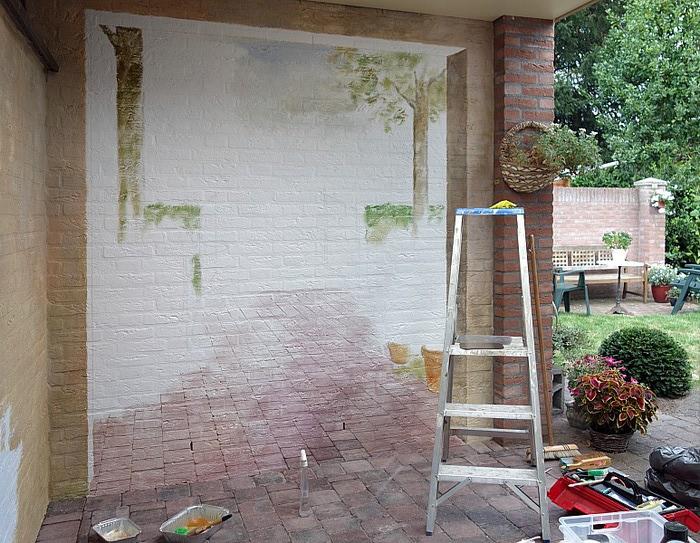 Как украсить кирпичную стену своими руками во дворе 96