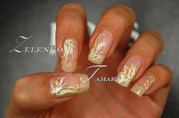 Френч на ногтях с росписью
