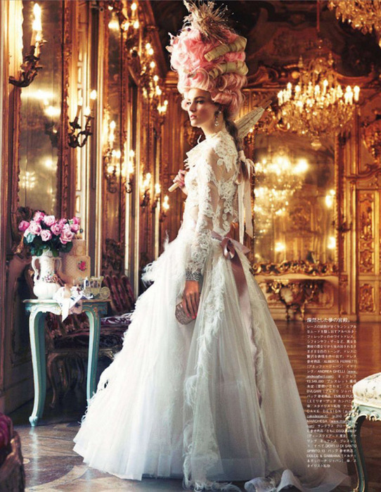 Мария Антуанетта на страницах Vogue1 (542x700, 173Kb)