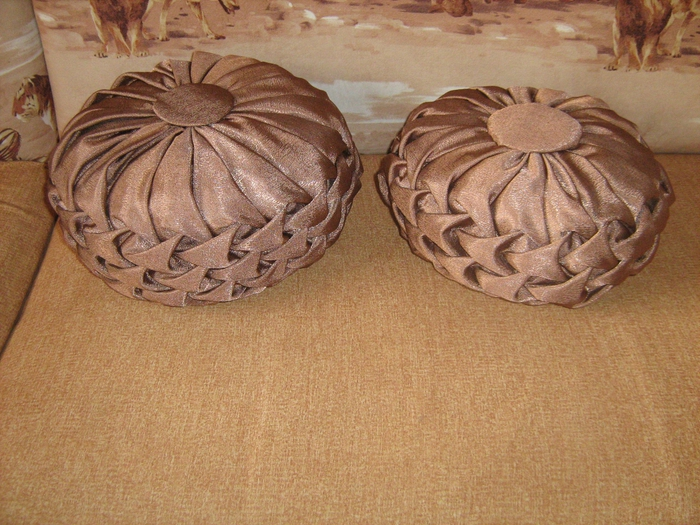 Круглые подушки с буфами своими руками 179