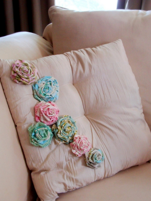 rolled-flower-pillow1 (525x700, 237Kb)