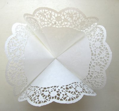 doily step 4 (400x375, 22Kb)