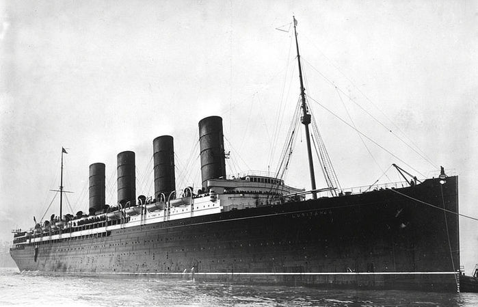 3753881_800pxRMS_Lusitania_coming_into_port_possibly_in_New_York_190713crop (700x449, 51Kb)
