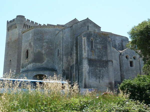 руины аббатства Монмажур1 (600x450, 54Kb)