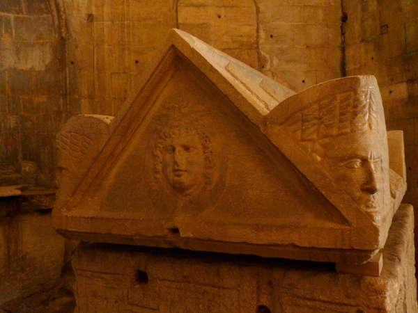 руины аббатства Монмажур20 (600x450, 34Kb)