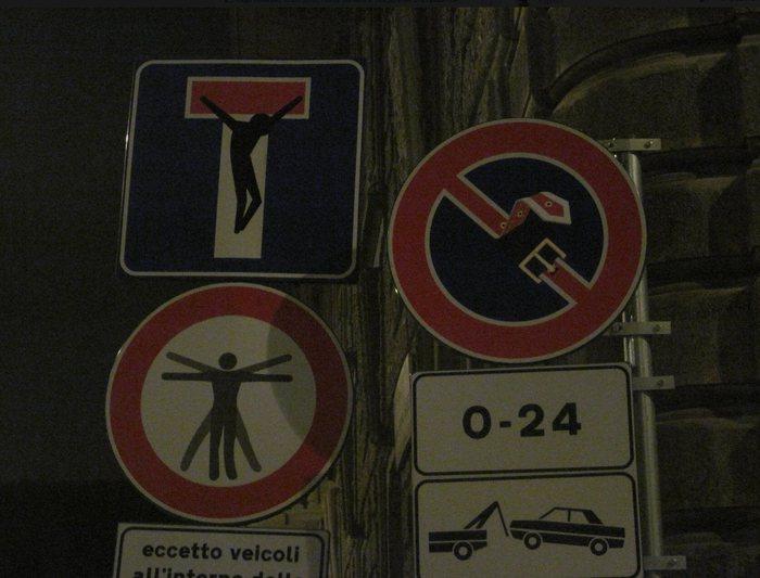 street-bar-sign-street-art (700x533, 57Kb)