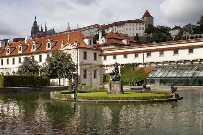 Неповторимая архитектура Праги 25 (700x466, 113Kb)