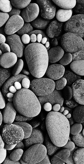 Stone-Footprints-by-Iain-Blake01 (358x700, 203Kb)