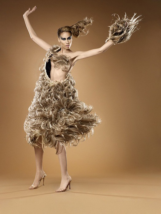 Платья из волос