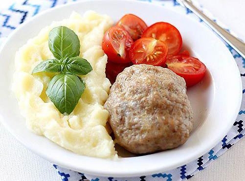 Тефтели с картофельным пюре (501x370, 34Kb)