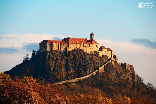 Неприступный замок Ригерсбург, Австрия. Самый большой замок Австрии, расположен в Восточной Штирии, примерно в 50 км от Граца (604x405, 50Kb)