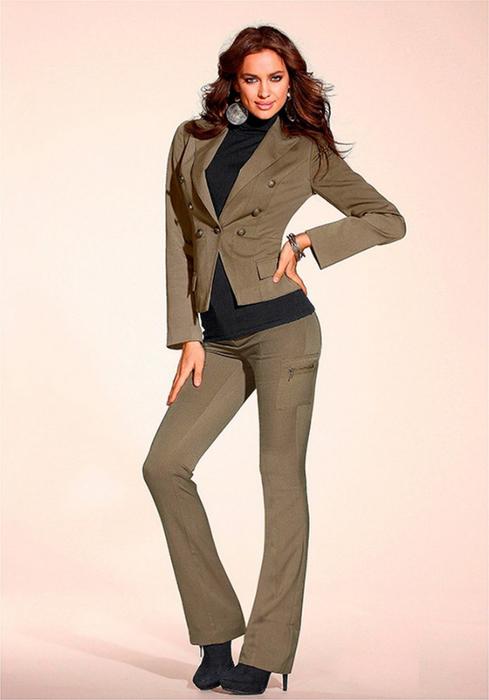 Лучшие женские брючные костюмы 2012 года 11 (489x700, 240Kb)