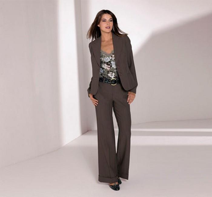 Лучшие женские брючные костюмы 2012 года 32 (700x652, 40Kb)