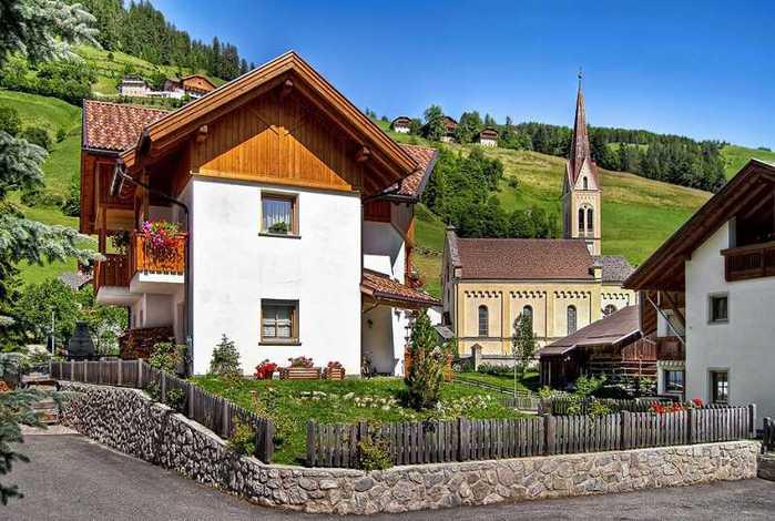 красивые домики в итальянской деревне 4 (700x470, 57Kb)