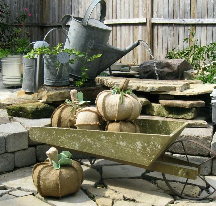 burlap pumpkins 2 (700x665, 411Kb)