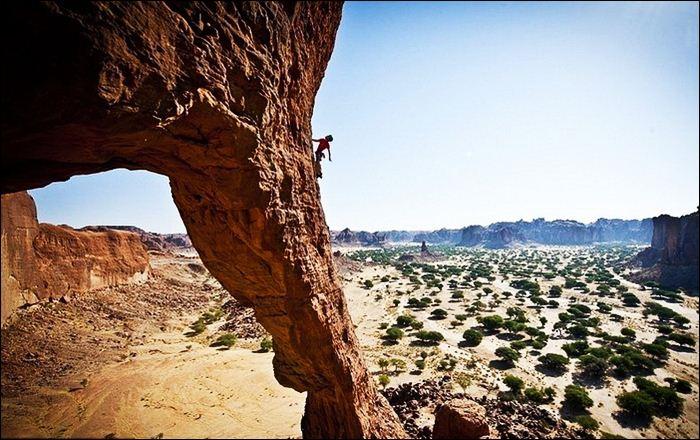 Пейзажи плато Эннеди в пустыне Сахара Фотографии