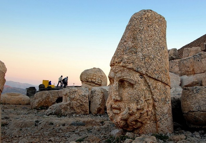 3925073_mountnemrut1 (700x486, 151Kb)