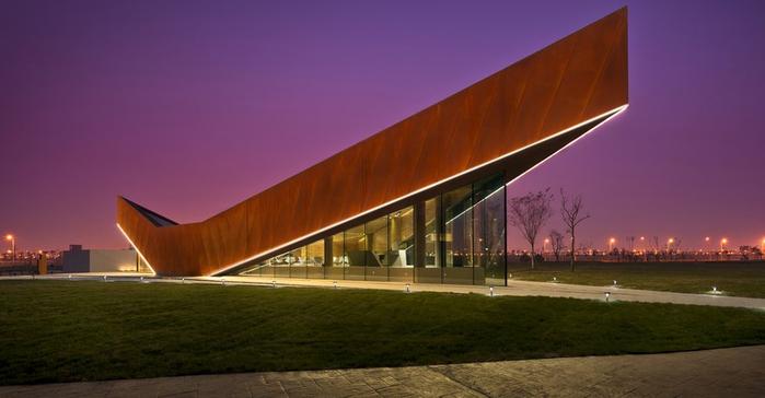 Галерея Ванке Трайпл V в Тяньцзине, Китай. (700x364, 262Kb)