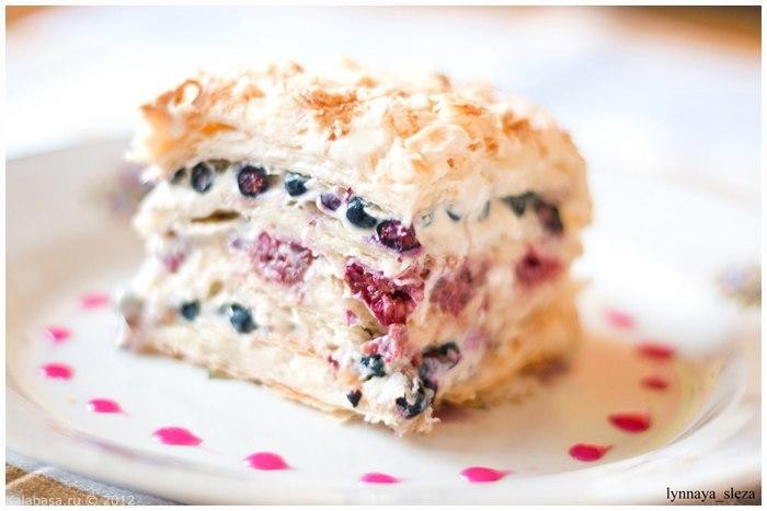 слоёный торт со свежими ягодами 1 (700x467, 47Kb)