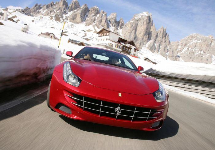 Ferrari FF (700x490, 56Kb)