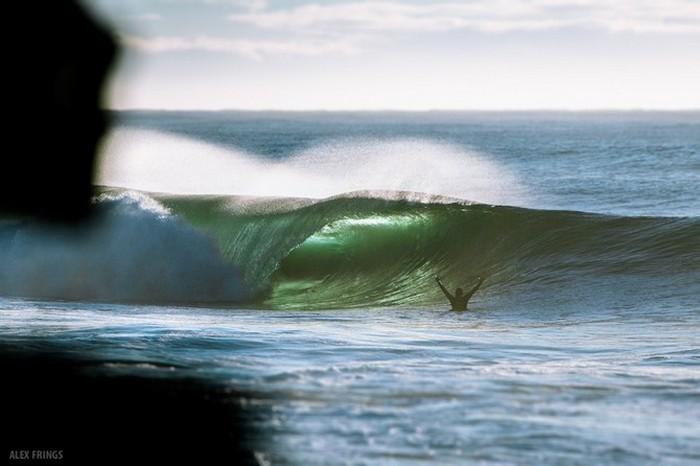 Красивые фотографии серферов от Alex Frings 13 (700x466, 58Kb)