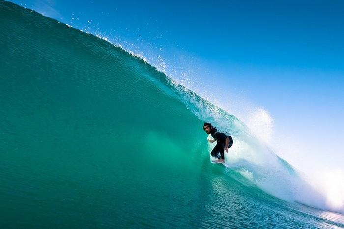 Красивые фотографии серферов от Alex Frings 17 (700x466, 59Kb)