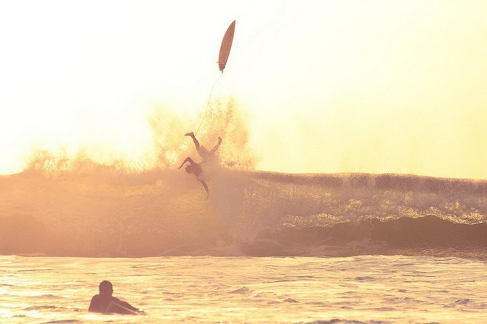 Красивые фотографии серферов от Alex Frings 25 (700x466, 49Kb)