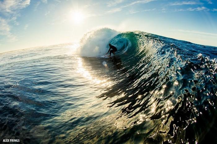 Красивые фотографии серферов от Alex Frings 33 (700x466, 111Kb)