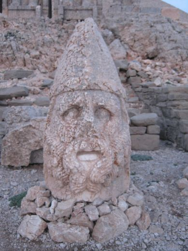 3925073_nemrut_dag_turkey_6 (389x518, 41Kb)