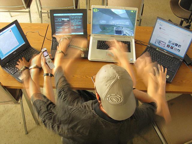 работа онлайн (640x480, 148Kb)