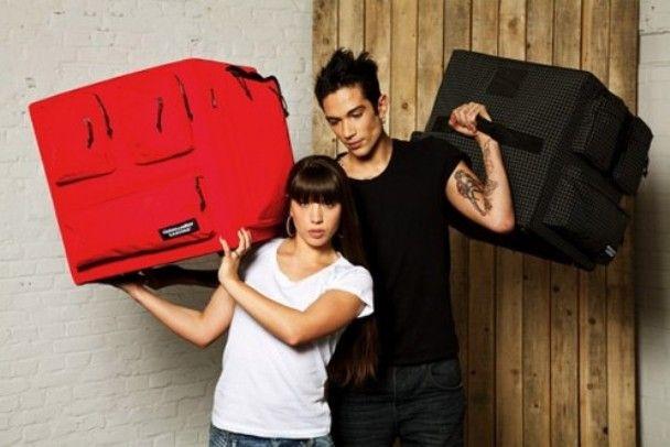 креативная мебель диван-рюкзак 4 (608x406, 38Kb)