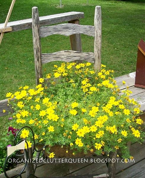 4497432_plantingflowersinchairs28 (490x600, 176Kb)