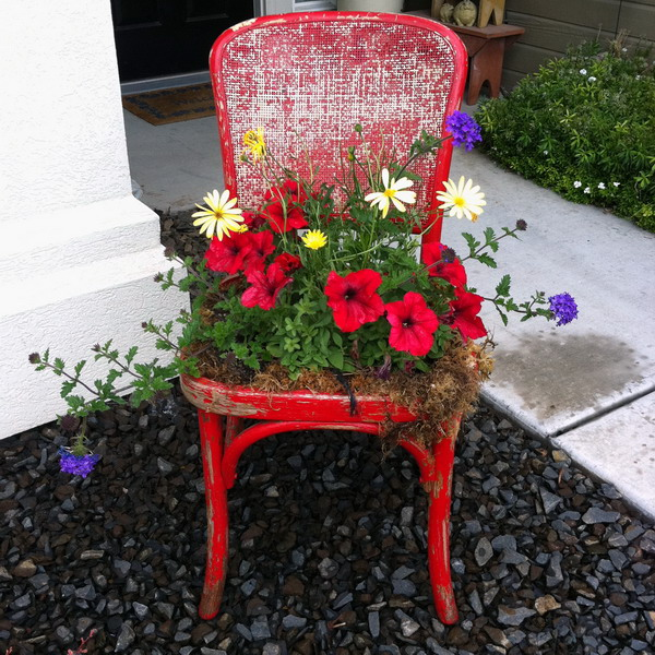 4497432_plantingflowersinchairscolorful1 (600x600, 187Kb)