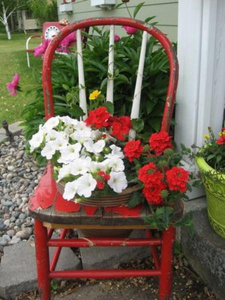 4497432_plantingflowersinchairscolorful3 (450x600, 87Kb)