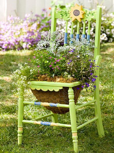 4497432_plantingflowersinchairscolorful9 (450x600, 132Kb)