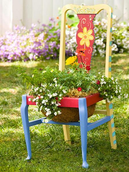 4497432_plantingflowersinchairscolorful10 (450x600, 120Kb)