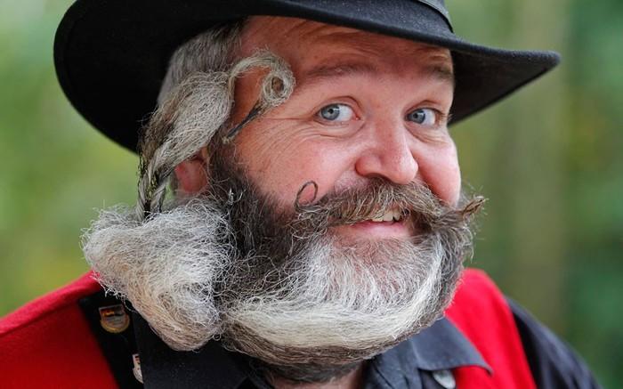 конкурс бородачей во франции 3 (700x437, 77Kb)