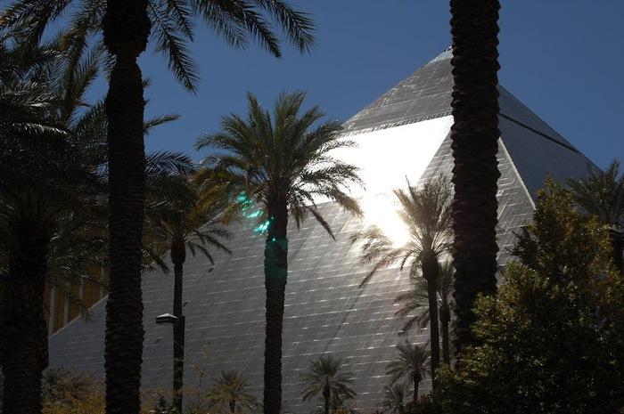 Отель Luxor hotel и Casino, Las Vegas - Пожить в пирамиде. 54310
