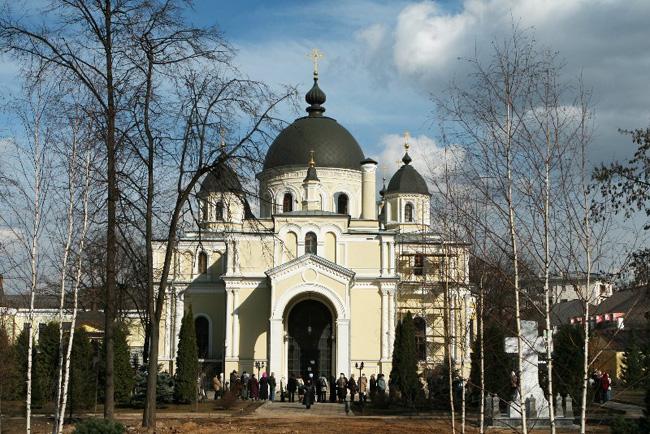 Покровский монастырь - храм Матроны (650x434, 171Kb)