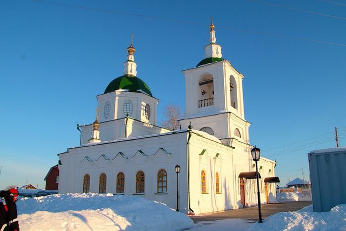 Тюмень Покровский храм (700x466, 72Kb)