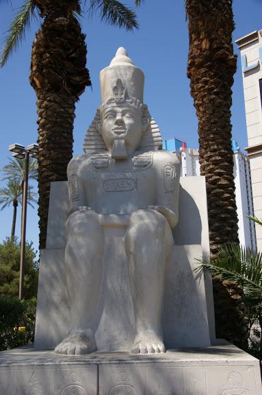 Отель Luxor hotel и Casino, Las Vegas - Пожить в пирамиде. 57701
