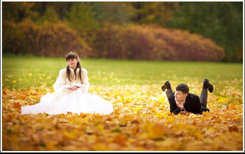 Желтые листья, зеркальные лужи и… белоснежная фата!