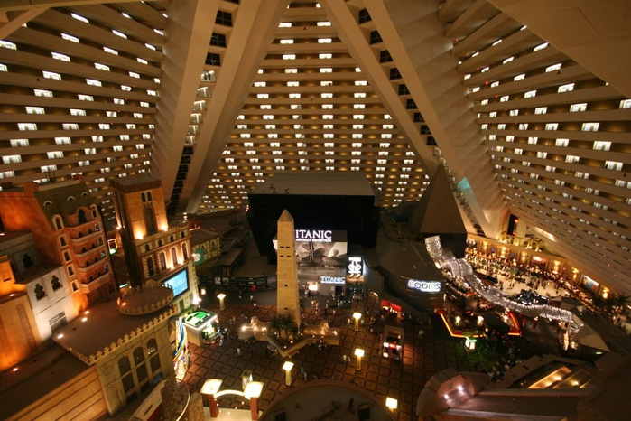 Отель Luxor hotel и Casino, Las Vegas - Пожить в пирамиде. 28678