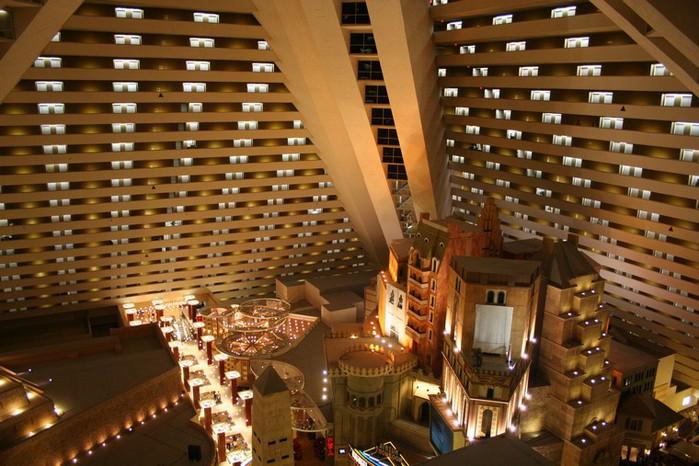 Отель Luxor hotel и Casino, Las Vegas - Пожить в пирамиде. 74959